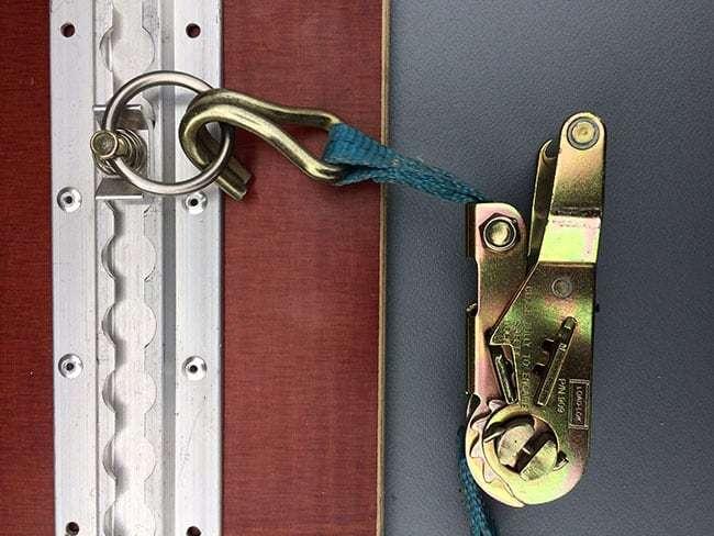 Spanband met ratel en haak geschikt bij vloerogen